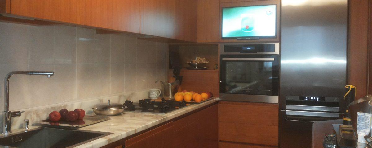 cucina in legno ciliegio - Falegnameria Curioni